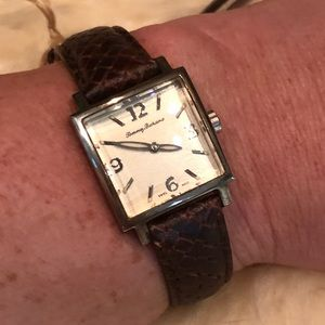 NWT Tommy Bahama 🌴 Ladies Leather Watch in Box